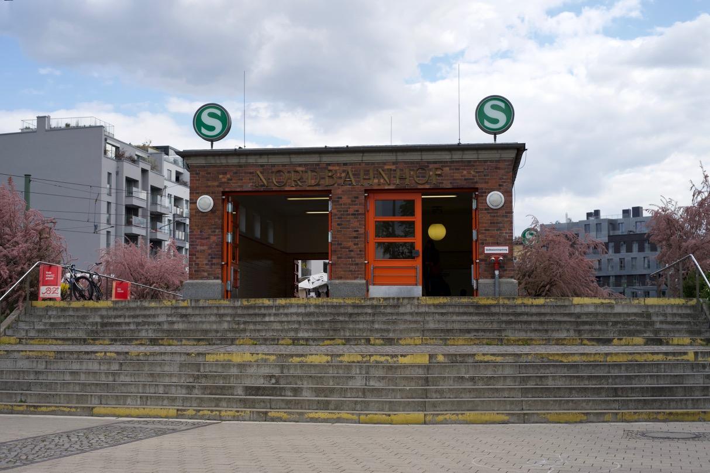 Der Stettiner Bahnhof / 北へ向かう駅